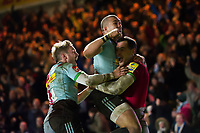 Tim Visser of Harlequins celebrates his match-winning try with team-mates. Aviva Premiership match, between Harlequins and Saracens on December 3, 2017 at the Twickenham Stoop in London, England. Photo by: Patrick Khachfe / JMP