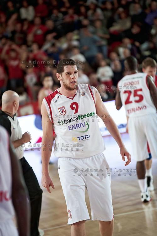 Teramo 15-01-2012 Campionato di Lega A1 Basket 2011/2012: TERAMO BASKET VS CIMBERIO VARESE. IN FOTO VALERIO AMOROSO TERAMO
