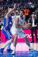 Real Madrid's Felipe Reyes and Khimki Moscow's James Augustine during Euroleague match at Barclaycard Center in Madrid. April 07, 2016. (ALTERPHOTOS/Borja B.Hojas) /NortePhoto