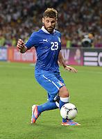 FUSSBALL  EUROPAMEISTERSCHAFT 2012   VIERTELFINALE England - Italien                     24.06.2012 Antonio Nocerino (Italien) Einzelaktion am Ball