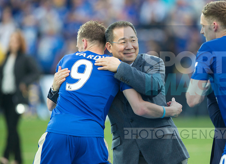 Leicester's owner Vichai Srivaddhanaprabha celebrates with Jamie Vardy during the Barclays Premier League match at the King Power Stadium.  Photo credit should read: David Klein/Sportimage