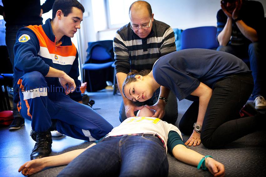 General First Aid course run by a French civil defense unit in Paris, France.
