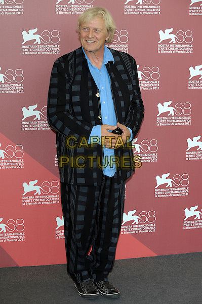Rutger Hauer.Il villaggio di cartone (The Cardboard Village) photocall 68th Venice Film Festival, Italy 5th September 2011.full length blue black grey gray check suit shirt.CAP/PL.©Phil Loftus/Capital Pictures.