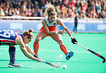 ROTTERDAM - Maria Verschoor (Ned)  met Alyssa Manley (USA)    tijdens de Pro League hockeywedstrijd dames, Nederland-USA  (7-1) .  COPYRIGHT  KOEN SUYK