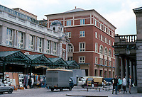 London: Covent Garden, 1987. Looking west along south side, Jubilee Hall to left, just renovated; a mixture of open markets, flats & offices.