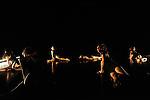 DO YOU BEChorégraphie Nawal LagraaAvec Rachel Chenet-Sigué, Sarah Copin, Julia Derrien, Margaux Devanne, Karima Ferhat, Marlène Gobber et Amel Sinapayen.Musique originale Olivier InnocentiCréation lumière Guislaine RigolletSon Patrick de OliveiraCadre : Festival Suresnes Cités Danse 2016Date : 22/01/2016Lieu : Théâtre de Suresnes Jean Vilar© Laurent Paillier / photosdedanse.com