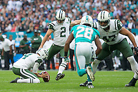 04.10.2015. Wembley Stadium, London, England. NFL International Series. Miami Dolphins versus New York Jets. New York Jets Kicker Nick Folk scores a field goal in the first quarter.