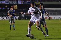 ATENÇÃO EDITOR: FOTO EMBARGADA PARA VEÍCULOS INTERNACIONAIS - SÃO PAULO, SP, 28 DE NOVEMBRO DE 2012 - COPA SULAMERICANA - SÃO PAULO x UNIVERSIDAD CATÓLICA: Denilson durante partida São Paulo x Universidad Católica, válida pela semifinal da Copa Sulamericana no Estádio do Morumbi em São Paulo. FOTO: LEVI BIANCO - BRAZIL PHOTO PRESS