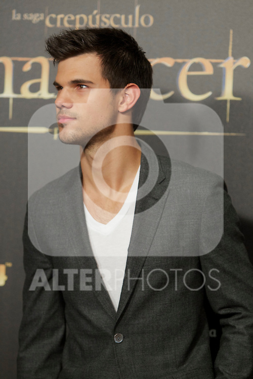 Taylor Lautner during the premiere of The Twilight Saga: Breaking Dawn. November 15, 2012. (ALTERPHOTOS/Alvaro Hernández)
