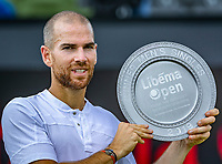Rosmalen, Netherlands, 16 June, 2019, Tennis, Libema Open, winner of the final Adrian Mannarino (FRA) with the trophy<br /> Photo: Henk Koster/tennisimages.com