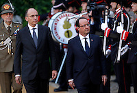 Il Presidente del Consiglio Enrico Letta accoglie il Presidente francese Francois Hollande, a destra, per il vertice intergovernativo italo-francese a Villa Madama, Roma, 20 novembre 2013.<br /> Italian Premier Enrico Letta welcomes French President Francois Hollande, right, on the occasion of the intergovernmental summit between Italy and France at Villa Madama, Rome, 20 November 2013.<br /> UPDATE IMAGES PRESS/Isabella Bonotto