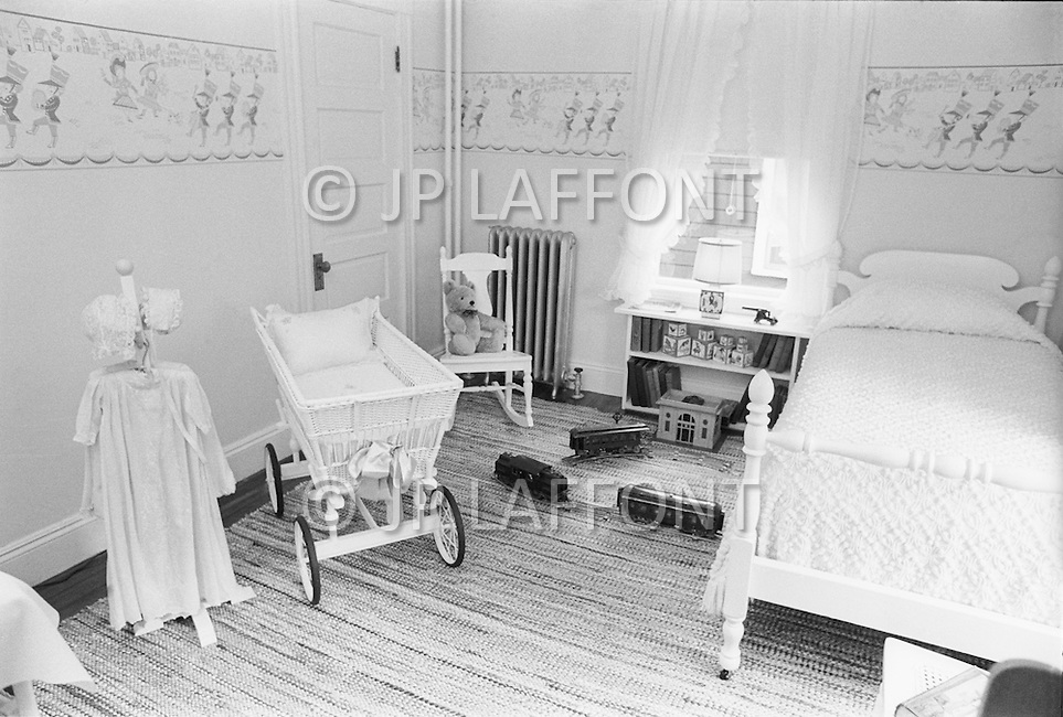June 1970, Brookline, Massachusetts, <br /> Visitors look at the children's room in the J.F. Kennedy Birthplace Historic Site, the three story house in Brookline in which US President John F. Kennedy was born. After JFK's death, the Kennedy family bought back the house at 83 Beals Street from the then owners and turned it into a museum of the Kennedys' childhoods.
