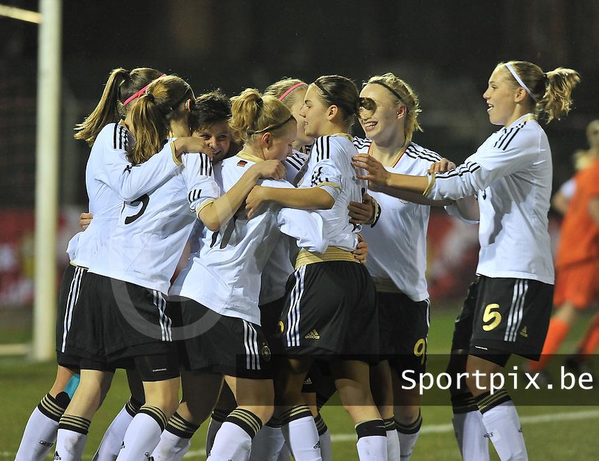 U17  Netherlands - U17 Germany : vreugde bij 10.Jasmin Sehan en haar ploegmaats na de 0-1.foto DAVID CATRY / Vrouwenteam.be