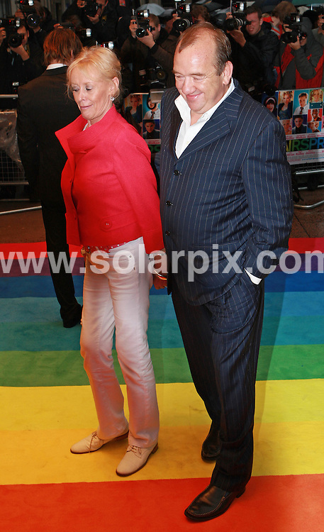 **ALL ROUND PICTURES FROM SOLARPIX.COM**.**WORLDWIDE SYNDICATION RIGHTS**.Guests arrive at t he UK premiere of the film Hairspray, Odeon, West End, London, 10 July 2007.This pic: Mel Smith..JOB REF:    4248   SSD     DATE: 11_07_2007.**MUST CREDIT SOLARPIX.COM OR DOUBLE FEE WILL BE CHARGED* *UNDER NO CIRCUMSTANCES IS THIS IMAGE TO BE REPRODUCED FOR ANY ONLINE EDITION WITHOUT PRIOR PERMISSION*