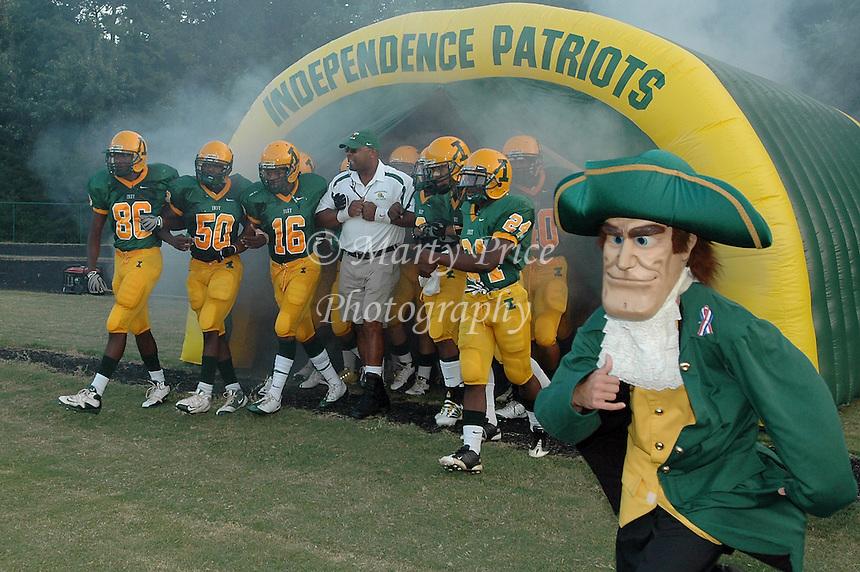 mpri_fball2009_9584 09 11 09 charlotte nc independence patriots linebacker coach dammeon chisholm