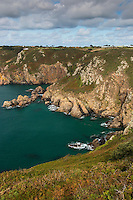 Royaume-Uni, îles Anglo-Normandes, île de Guernesey, Saint Martin:  Côte rocheuse à  Icart Point  // United Kingdom, Channel Islands, Guernsey island,  St Martin: Icart Point