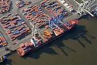 Container: EUROPA, DEUTSCHLAND, HAMBURG, (EUROPE, GERMANY), 10.03.2007: Container, Verladung, Containerverladung Athabaskakai  Hamburger Hafen, HHLA Container Terminal Burchardkai, Elbe, Schiff, Seeschiff, Containerschiff, Logistik, Transport, Wirtschaft, Boom, Schatten, Elbe,  Aufwind-Luftbilder.c o p y r i g h t : A U F W I N D - L U F T B I L D E R . de.G e r t r u d - B a e u m e r - S t i e g 1 0 2, .2 1 0 3 5 H a m b u r g , G e r m a n y.P h o n e + 4 9 (0) 1 7 1 - 6 8 6 6 0 6 9 .E m a i l H w e i 1 @ a o l . c o m.w w w . a u f w i n d - l u f t b i l d e r . d e.K o n t o : P o s t b a n k H a m b u r g .B l z : 2 0 0 1 0 0 2 0 .K o n t o : 5 8 3 6 5 7 2 0 9.C o p y r i g h t n u r f u e r j o u r n a l i s t i s c h Z w e c k e, keine P e r s o e n l i c h ke i t s r e c h t e v o r h a n d e n, V e r o e f f e n t l i c h u n g  n u r  m i t  H o n o r a r  n a c h M F M, N a m e n s n e n n u n g  u n d B e l e g e x e m p l a r !.
