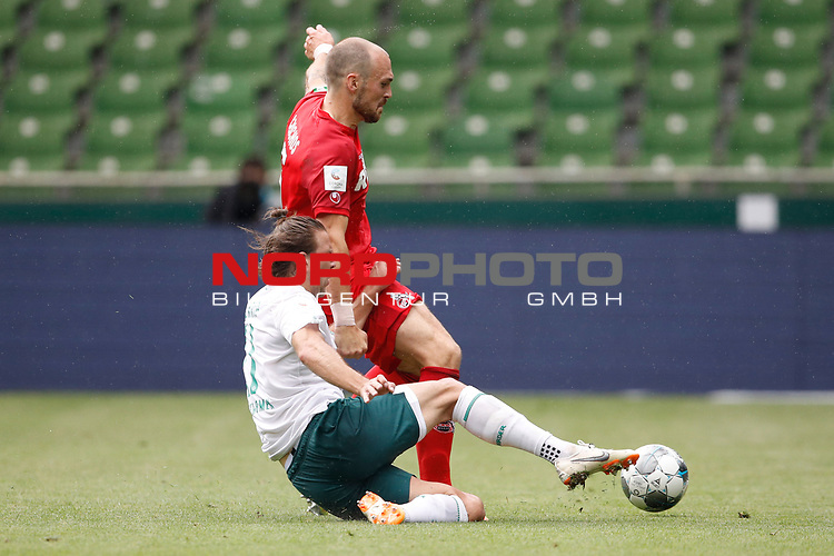 27.06.2020, wohninvest , nphgm001, WESERSTADION, Bremen, Ligaspiel, 1. Bundesliga, SV Werder Bremen vs 1. FC Koeln, im Bild v.l. Niclas Fuellkrug (11, Bremen), Rafael Czichos (5, Koeln)<br /> Foto: Joachim Sielski/Sielski-Press/Pool/gumzmedia/nordphoto<br />