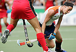 AMSTELVEEN - Minke Smabers, terug na een langdurige blessure, zondag tijdens de wedstrijd Nederland-Duitsland (3-1) om de Rabo Champions Trophy 2006 in Amstelveen. ANP PHOTO KOEN SUYK