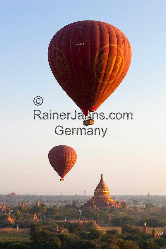 Myanmar (Burma), Mandalay-Division, Bagan: Dawn over ancient temples from hot air balloon | Myanmar (Birma), Mandalay-Division, Bagan: Morgenstimmung ueber den Bagan Tempeln, die zwischen dem 11. und 13. Jahrhundert erbaut wurden, aufgenommen aus einem Heissluftballon