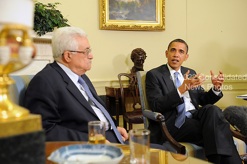 Washington, DC - May 28, 2009 -- United States President Barack Obama (R) meets with President of Palestine Mahmoud Abbas (L) in the Oval Office of the White House in Washington DC, USA, Thursday, 28 May 2009.  .Credit: Michael Reynolds - Pool via CNP