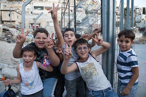Silwan, Jerusalem, Octobre 2011. Des enfants jouent dans les rues de Silwan.