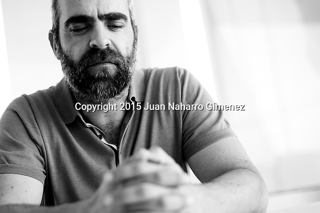 MALAGA, SPAIN - APRIL 24:  (EDITORS NOTE: Image has been converted to black and white) Spanish actor Manuel Burque poses during the 18th Malaga Spanish Film Festival at the AC Malaga Palacio Hotel on April 24, 2015 in Malaga, Spain.  (Photo by Juan Naharro Gimenez/Getty Images)