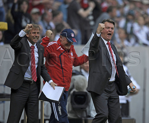 24.4.2010 Bundesliga Matchday 32, League 1 Borussia Moenchengladbach v  FC Bayern Munich. The match resulted in a 1 all draw. v l Co team manager Andries Jonker Munich Co team manager Hermann Gerland Munich and team manager Louis van Gaal Munich goal celebration