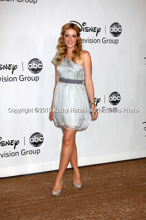 LOS ANGELES - AUGUST 1:  Jennifer Finnigan  arrive(s) at the 2010 ABC Summer Press Tour Party at Beverly Hilton Hotel on August 1, 2010 in Beverly Hills, CA...