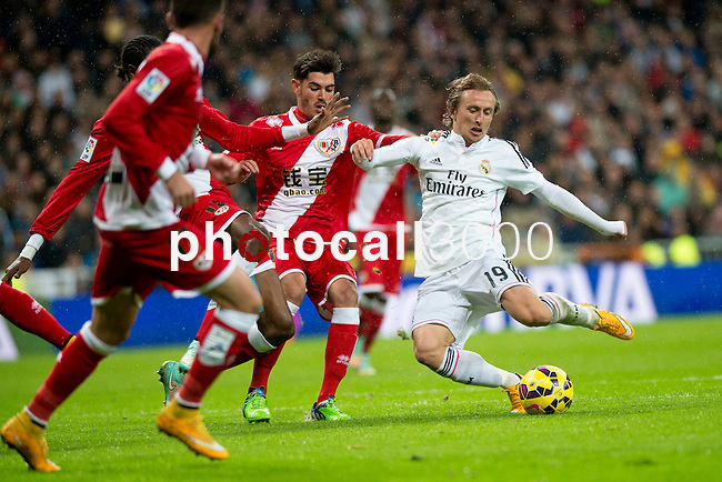 Football match between Real Madrid and Rayo Vallecano at 8th Novembre, 2014 in Stadium Santiago Bernabéu.<br /> Modric.