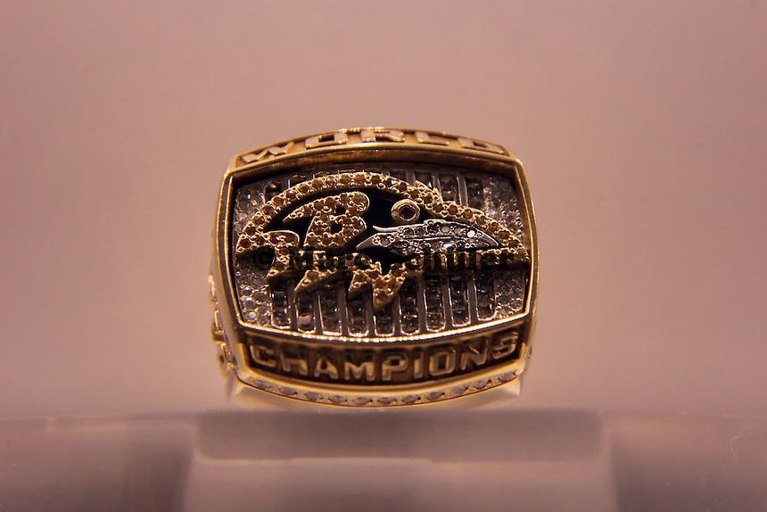 Super Bowl Ringe der einzelnen Siegerteams: XXXV Baltimore Ravens 2000
