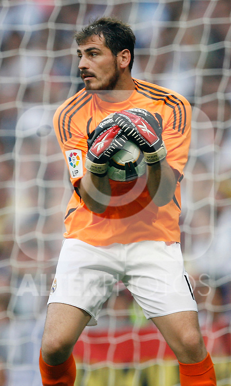 Real Madrid's Iker Casillas during La Liga match.August 29 2009. (ALTERPHOTOS/Acero).