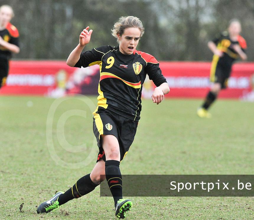 Denmark U17 - Belgium U17 : Amber Maximus.foto DAVID CATRY / Vrouwenteam.be