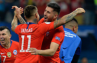 SAO PAULO – BRASIL, 28-06-2019: Jugadores de Chile celebran la victoria por penales definitorios después del partido por cuartos de final de la Copa América Brasil 2019 entre Colombia y Chile jugado en el Arena Corinthians de Sao Paulo, Brasil. / Players of Chile celebrate the victory by a shootout after Copa America Brazil 2019 quarter-finals match between Colombia and Chile played at Arena Corinthians in Sao Paulo, Brazil. Photos: VizzorImage / Julian Medina / Cont /