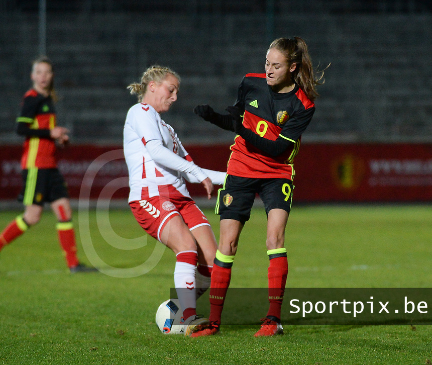 20161128 - TUBIZE ,  BELGIUM : Belgian Tessa Wullaert (R) and Danish Julie Trustup Jensen (L) pictured during the female soccer game between the Belgian Red Flames and Denmark , a friendly game before the European Championship in The Netherlands 2017  , Monday 28 th November 2016 at Stade Leburton in Tubize , Belgium. PHOTO SPORTPIX.BE | DIRK VUYLSTEKE