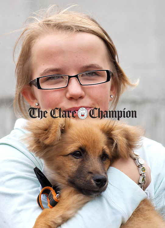 160912.13 year old Selina Kelly from Shannon with her Pomeranian Tiny at Cratloe Dog Show and Fun Day at Cratloe GAA Club.