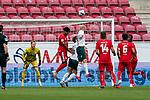 Kopfball Davy Klaassen (Werder Bremen #30), Yuya Osako (Werder Bremen #08), Florian Müller / Florian Mueller (FSV Mainz 05 #01), Kunde Malong (FSV Mainz 05 #14)Danny Latza (FSV Mainz 05 #06)<br /> <br /> <br /> Sport: nphgm001: Fussball: 1. Bundesliga: Saison 19/20: 33. Spieltag: 1. FSV Mainz 05 vs SV Werder Bremen 20.06.2020<br /> <br /> Foto: gumzmedia/nordphoto/POOL <br /> <br /> DFL regulations prohibit any use of photographs as image sequences and/or quasi-video.<br /> EDITORIAL USE ONLY<br /> National and international News-Agencies OUT.