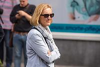 """Die Vizepraesidentin der Berliner Polizei, Margarete Koppers beobachtete am Samstag den 19. August 2017 den sog. Hess-Marsch von ueber 1.000 Rechtsextremisten in Berlin.<br /> Ueber 1.000 Rechtsextreme aus mehreren Bundeslaendern demonstrieren am Samstag den 19. August 2017 in Berlin zum Gedenken an den Hitler-Stellvertreter Rudolf Hess.<br /> Rudolf Hess hatte am 17. August 1987 im Alliierten Kriegsverbrechergefaengnis in Berlin Spandau Selbstmord begangen. Seitdem marschieren Rechtsextremisten am Wochenende nach dem Todestag mit sog. """"Hess-Maerschen"""".<br /> Weit ueber 1.000 Menschen protestierten gegen den Aufmarsch der Rechtsextremisten und stoppten den Hess-Marsch nach 300 Metern u.a. mit Sitzblockaden. Der rechtsextreme Aufmarsch wurde daraufhin von der Polizei umgeleitet.<br /> Aus dem Aufmarsch wurden mehrfach Gegendemonstranten angegriffen, mindestens ein Neonazi wurde festgenommen.<br /> 19.8.2017, Berlin<br /> Copyright: Christian-Ditsch.de<br /> [Inhaltsveraendernde Manipulation des Fotos nur nach ausdruecklicher Genehmigung des Fotografen. Vereinbarungen ueber Abtretung von Persoenlichkeitsrechten/Model Release der abgebildeten Person/Personen liegen nicht vor. NO MODEL RELEASE! Nur fuer Redaktionelle Zwecke. Don't publish without copyright Christian-Ditsch.de, Veroeffentlichung nur mit Fotografennennung, sowie gegen Honorar, MwSt. und Beleg. Konto: I N G - D i B a, IBAN DE58500105175400192269, BIC INGDDEFFXXX, Kontakt: post@christian-ditsch.de<br /> Bei der Bearbeitung der Dateiinformationen darf die Urheberkennzeichnung in den EXIF- und  IPTC-Daten nicht entfernt werden, diese sind in digitalen Medien nach §95c UrhG rechtlich geschuetzt. Der Urhebervermerk wird gemaess §13 UrhG verlangt.]"""
