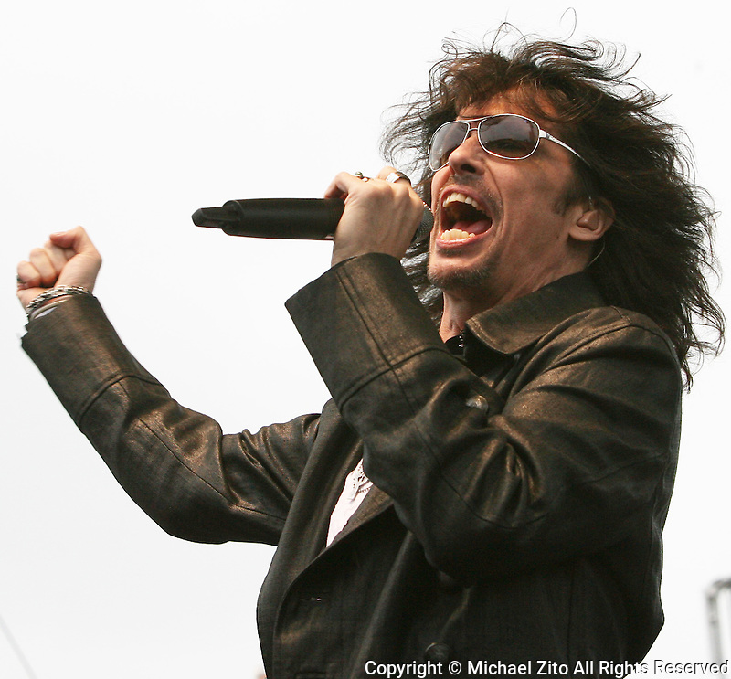 10/11/09 Fontana, CA:  Kelly Hansen and Foreigner play at the Auto Club Speedway before the Pepsi 500