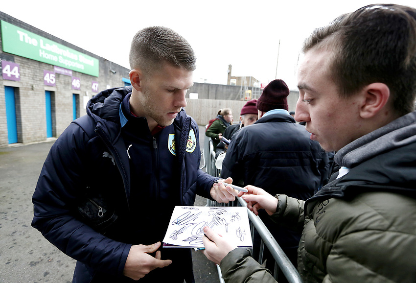 Burnley's Johann Gudmundsson signs autographs for the waiting fans as he arrives Turf Moor<br /> <br /> Photographer Rich Linley/CameraSport<br /> <br /> Emirates FA Cup Third Round - Burnley v Barnsley - Saturday 5th January 2019 - Turf Moor - Burnley<br />  <br /> World Copyright © 2019 CameraSport. All rights reserved. 43 Linden Ave. Countesthorpe. Leicester. England. LE8 5PG - Tel: +44 (0) 116 277 4147 - admin@camerasport.com - www.camerasport.com