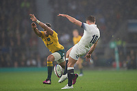 Twickenham, Surrey. UK. Will GENIA, attemts to charge down George FORDS clearance kick, during the <br /> England VS Australia, Autumn International. Old Mutual Wealth Series. RFU Stadium, Twickenham. UK<br /> <br /> Saturday  18.11.17<br /> <br /> [Mandatory Credit Peter SPURRIER/Intersport Images]