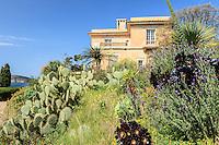 Le Domaine du Rayol:<br /> l'H&ocirc;tel de la Mer et le jardin des Canaries.