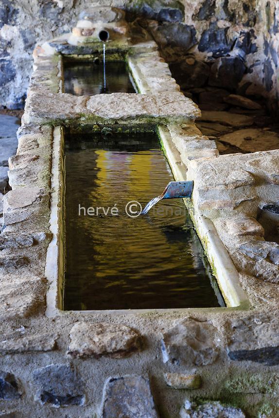 France, Haute-Loire (43), Fay-sur-Lignon, fontaine Saint-Régis // France, Haute Loire, Fay sur Lignon, fountain Saint Regis
