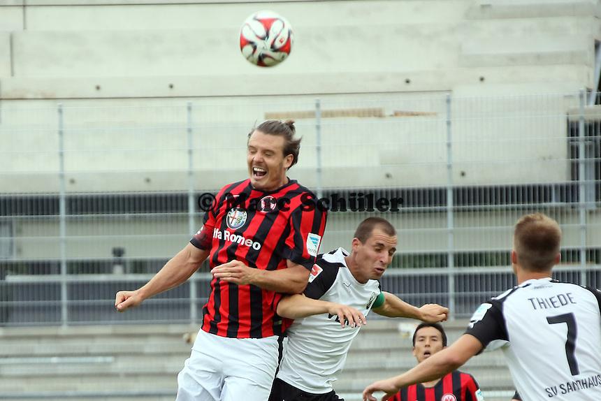 Alex Meier (Eintracht) gegen Stefan Kulovits (SVS)