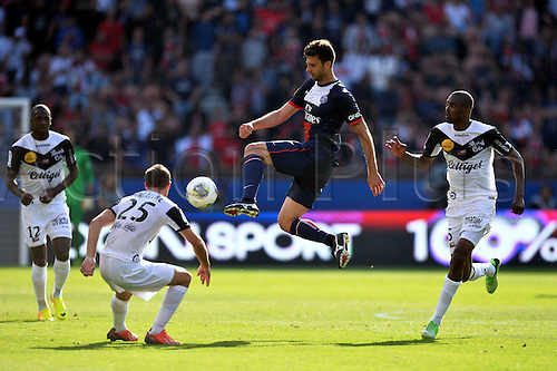 31.08.2013. Paris, France. French League football. Paris St Germain versus Guingamp Aug 31st.  Thiago Motta (psg) - Mustapha Diallo (gui)