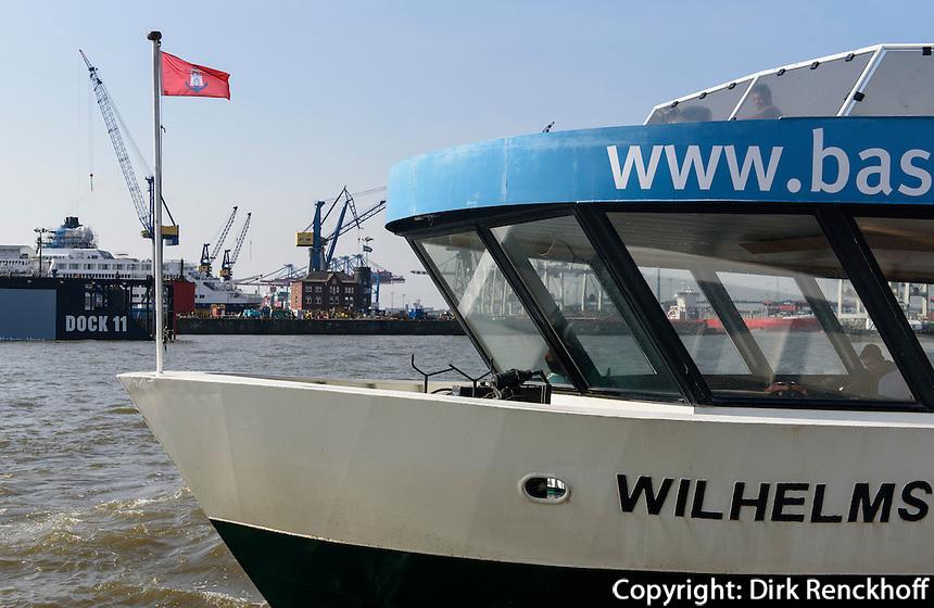 F&auml;hre am  F&auml;hranleger Altona und Dock 11,  St. Pauli, Hamburg, Deutschland<br /> ferry dock Altona and dock 11, St. Pauli, Hamburg, Germany