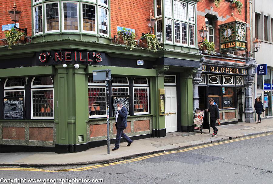 O'Neill's traditional pub, city of Dublin, Ireland, Irish Republic