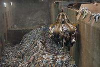 - ASM (Municipial Services Company ) of Brescia; power station &quot;waste to energy&quot;, fed with the city solid waste produces electric power (400 million kilowatt-hour per year) and warm water for the district heating<br /> <br /> - ASM (Azienda Servizi Municipalizzati) di Brescia; centrale elettrica &quot;termoutilizzatore&quot;, alimentata con i rifiuti solidi urbani  produce energia elettrica (400 milioni di kilowattora all'anno) e calore per il teleriscaldamento