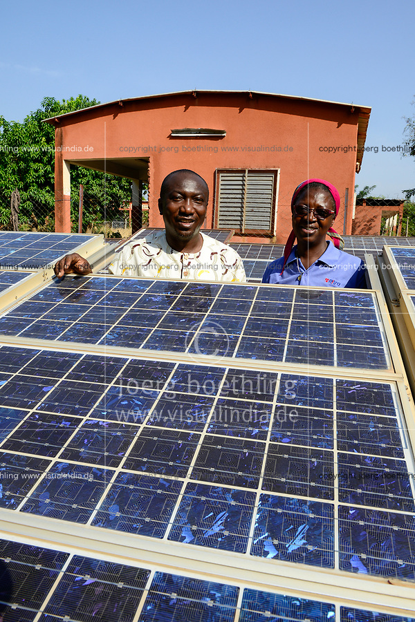 "BURKINA FASO , Gaoua, solar system of catholic hostel and school / Schwesterngemeinschaft ""Filles de Coeur de Marie"" , Solaranlage des Maedchen Internat ""Foyer Madeleine Père"""