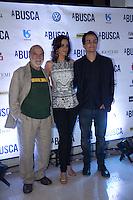"""SAO PAULO, SP, 04 DE MARÇO DE 2013. PRE ESTREIA DO FILME """"A BUSCA"""". O ator Lima Duarte, Wagner Moura e a atriz Mariana Lima durante a pré estreia do fime """"A Busca"""" no shopping Iguatemi, na noite desta segunda feira. O filme conta  a história de um médico que sai em busca do seu filho adolescente que fugiu de casa.  FOTO: ADRIANA SPACA/ BRAZIL PHOTO PRESS"""